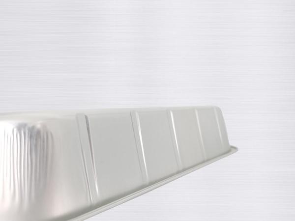 银色铝箔容器